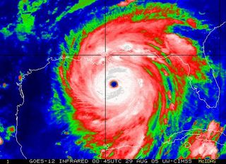 No-hurricane-katrina-satimage-20050829_uwisc-cimss