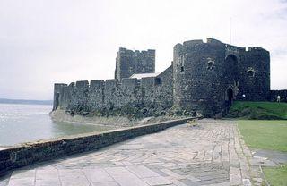 800px-Carrickfergus-castle-2